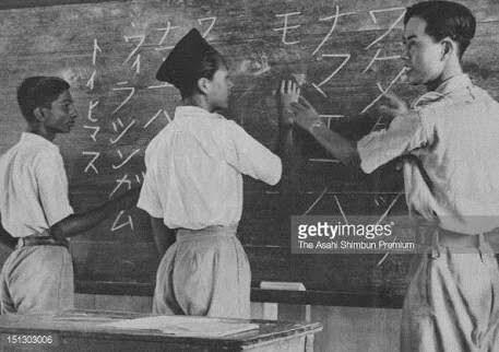 boyslearningjapanese