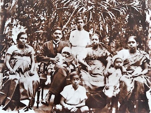 Newton family pic
